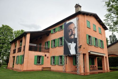 From Giuseppe Verdi to Luciano Pavarotti, the love for music | Via Emilia experience