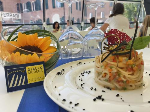 Giallo Modena | Restaurants